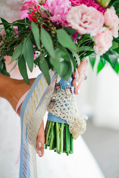 flower in bride hand